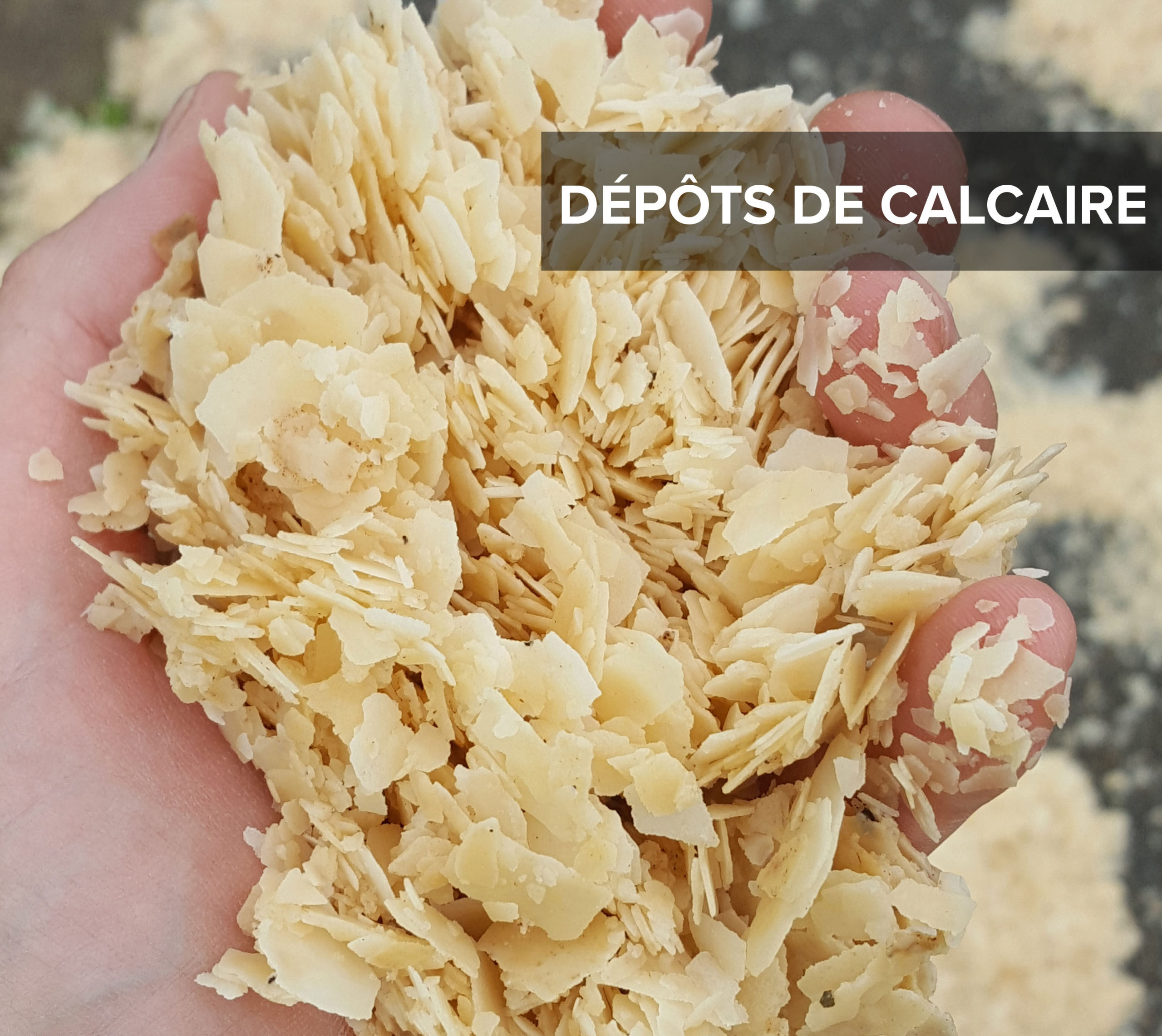 Dépôts de calcaire après nettoyage des réseaux d'eau potable